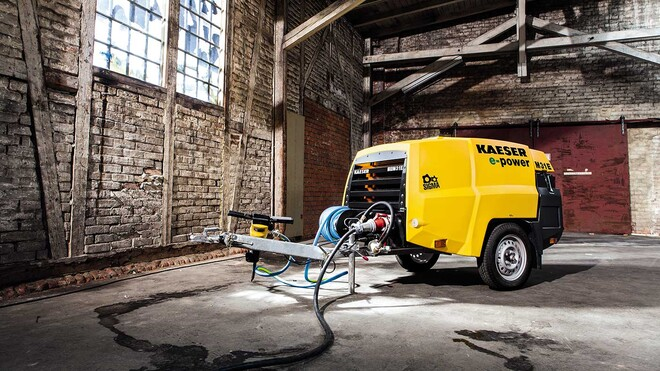 Road-going M31E portable compressor with electric drive from Kaeser Kompressoren.